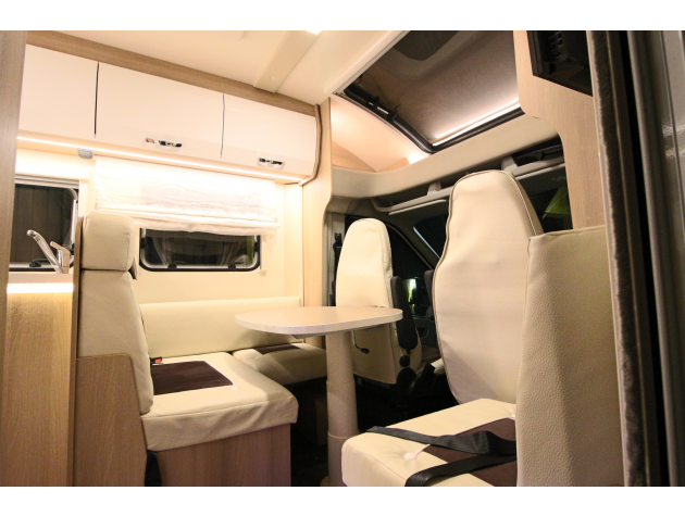 roller team auto roller 286 p einzelbetten unten mieten. Black Bedroom Furniture Sets. Home Design Ideas