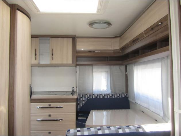 hobby de luxe 400 sfe 01 deichsel fh sackmarkise mieten. Black Bedroom Furniture Sets. Home Design Ideas
